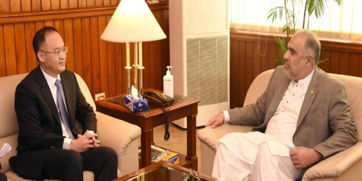 بول نیوز اردو - پاکستان  اور  چین  کے  دوستانہ  تعلقات  دنیا  کے  لئے ایک  مثال  ہیں، اسد قیصر thumbnail
