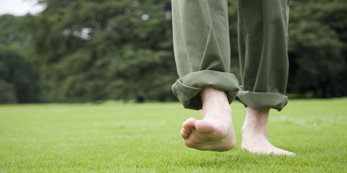 ننگے پاؤں چلنے کا فائدہ