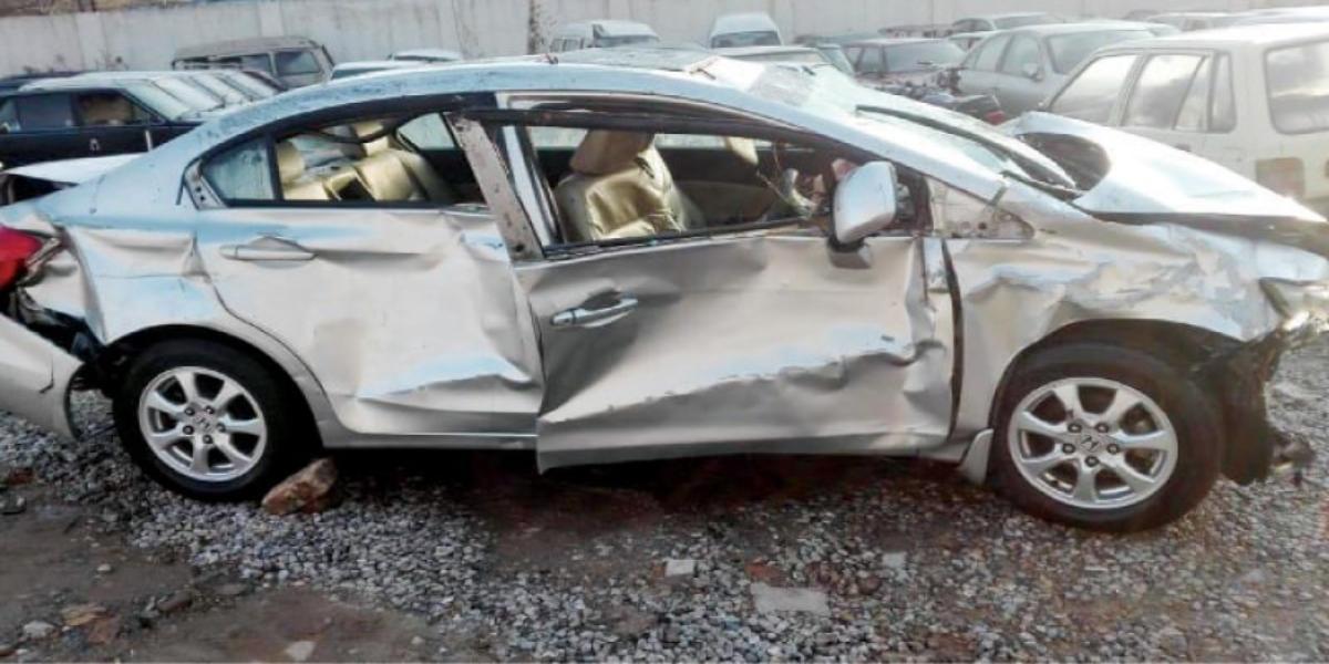 تحصیل چوبارہ میں ٹائر پھٹنے سے کار کو حادثہ پیش thumbnail